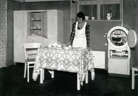 1933: The pantry makes way for the refrigerator